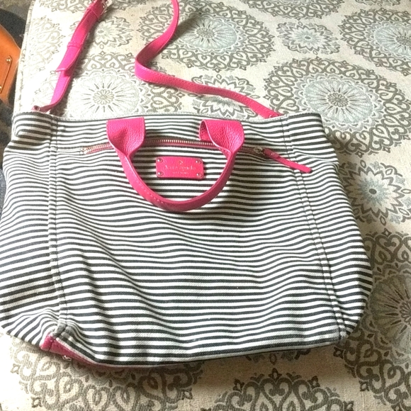 Kate Spade extra large crossbody..see info